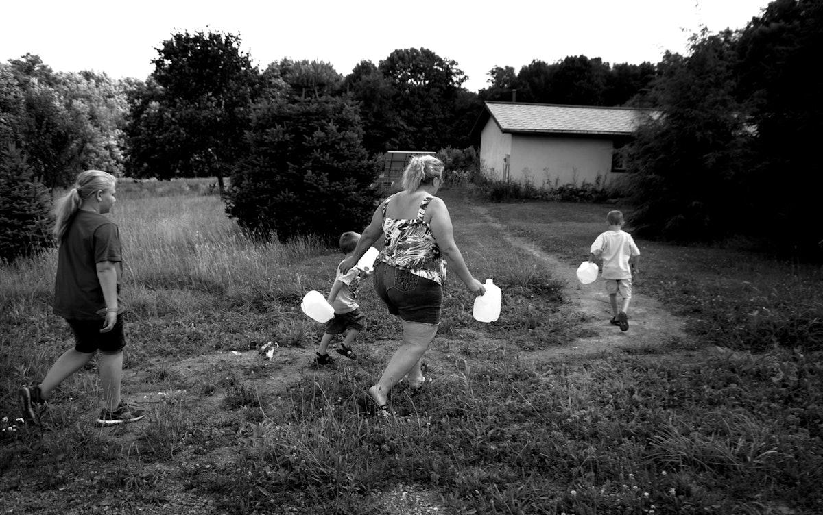 American Water: The Woodlands : Julia Rendleman : Virginia ...
