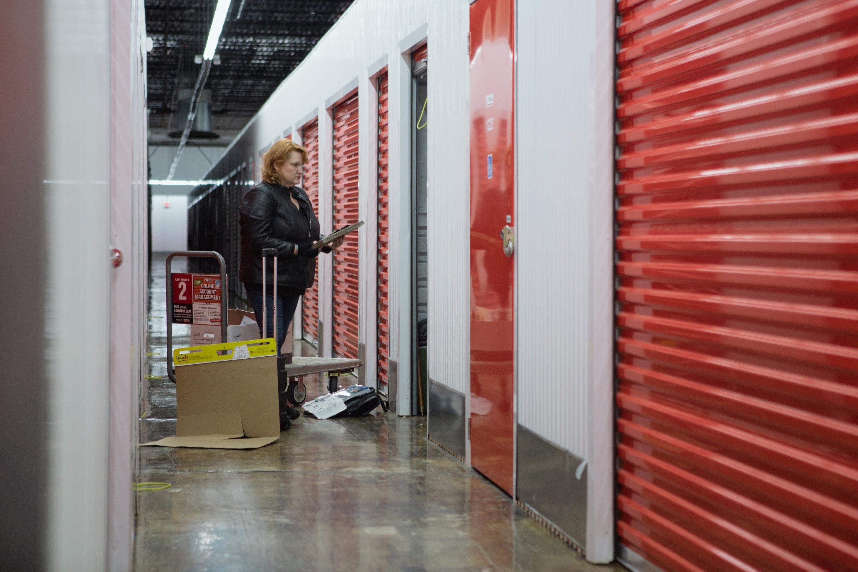 Ordinaire U003cpu003eCatherine Knight Drops Off Personal Belongings At Her Storage Unit  Outside Of Atlanta