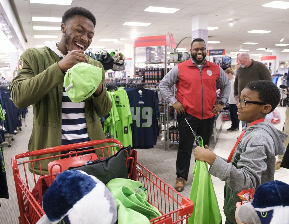 low priced b1734 57507 Seattle Seahawks Wide Receiver Shops With Kids : Stephen ...